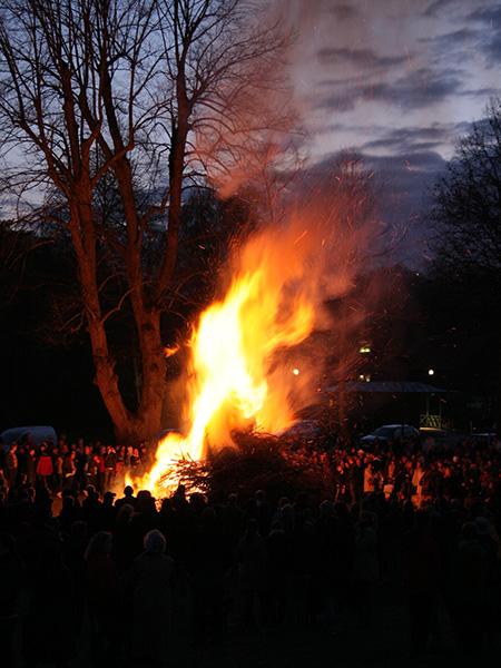 valborg(ヴァルボォリ)春の大焚き火